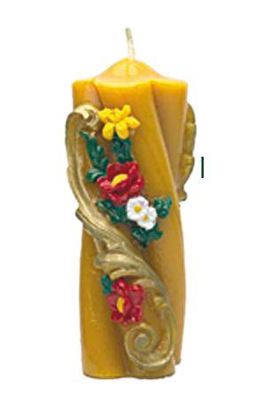Zierkerze mit Blumen, gedreht